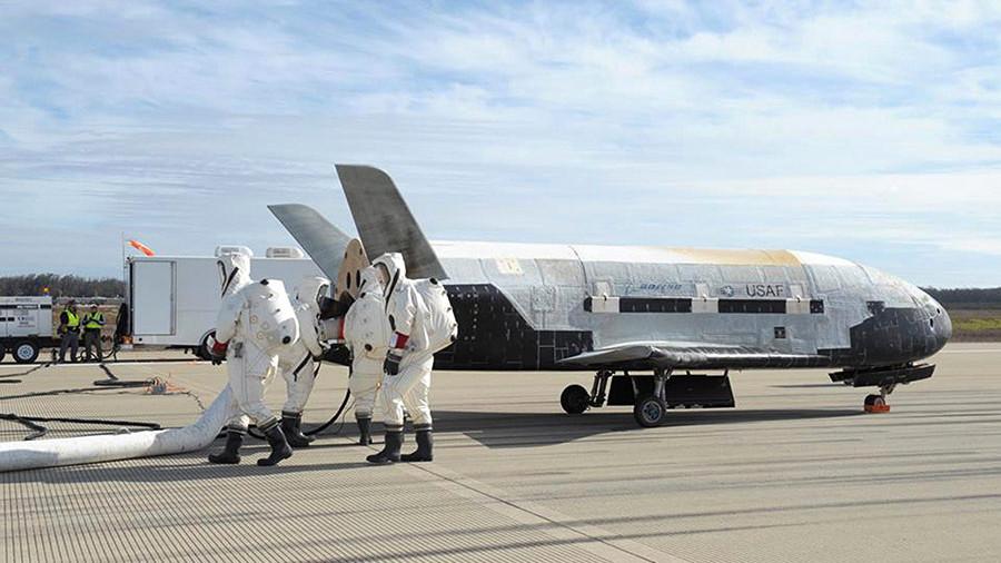 Компания SpaceX запустит вкосмос шаттл позаказу военных сил США