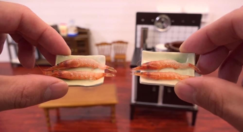 Странные пристрастия к миниатюрной еде