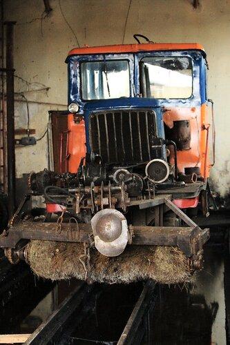 Снегоочиститель в депо