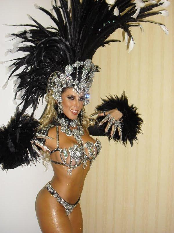 Карнавальные костюмы бразильские
