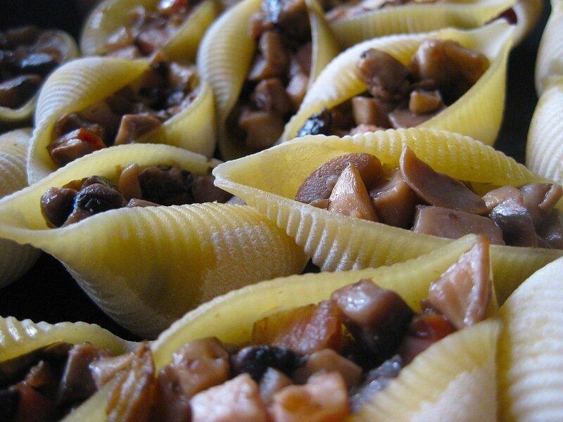 Ракушки,фаршированные грибами. Сплошной балдеж