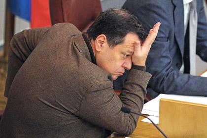 Разрешат ли списывать с безнадежных должников долги в двести миллиардов рублей?