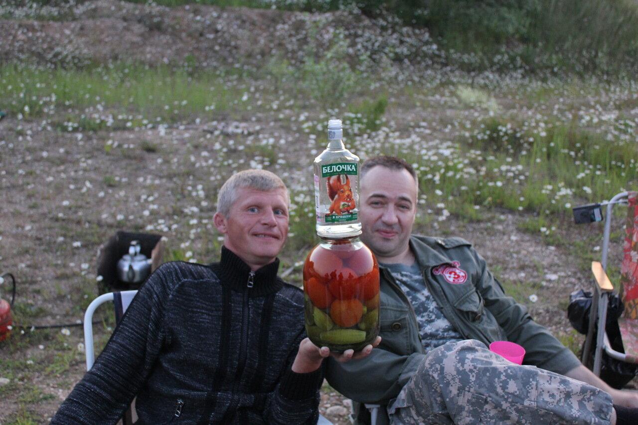 Село на бутылка, Порно с бутылкой - Жещины пихают себе во влагалище 8 фотография