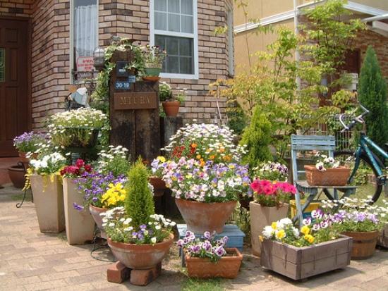 Уличный вазон для цветов своими руками из бетона