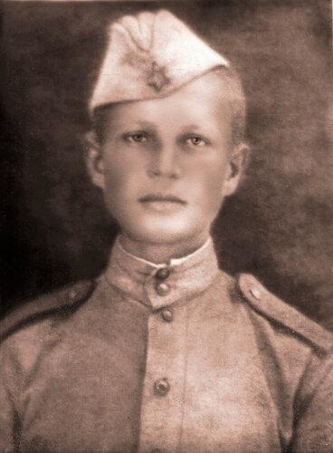 Дмитрий Иванович Дзибалов в 1943 г.