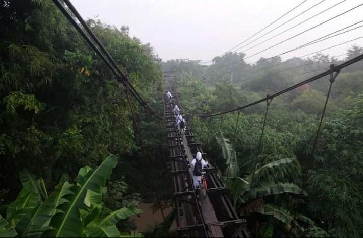 мост над джунглями индонезия остров ява 3