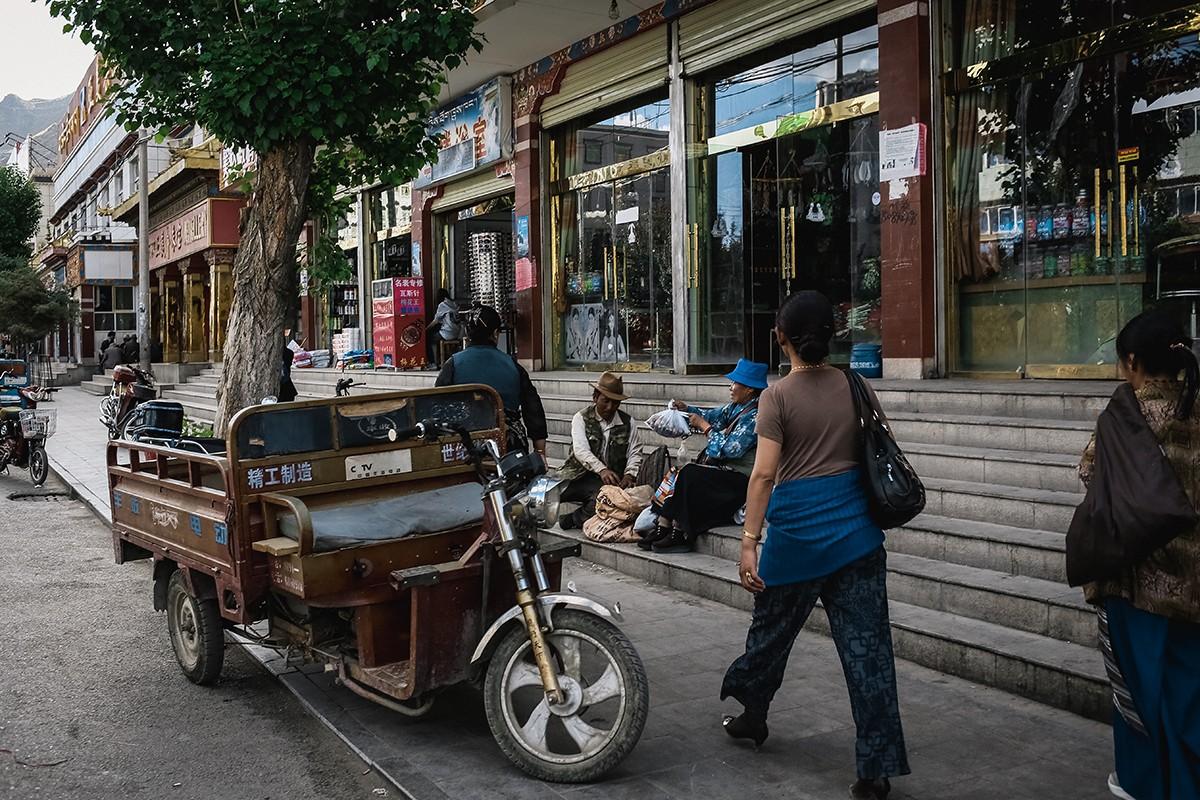 31. Шигадзе — это уже не традиционный Тибет, это Китай, где некоторую часть населения составляют тиб