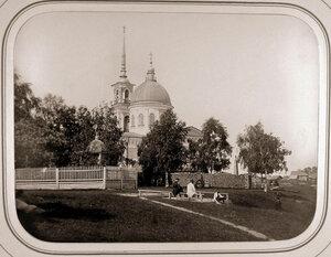 Вид новой каменной церкви с колокольней ( Лодейное Поле).