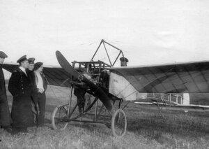 Вид аэроплана Блерио перед взлетом.