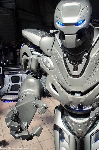 Весна. Даниловский. Робот Титан. 12.05.14.16..jpg