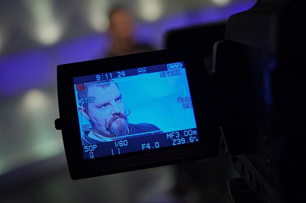 Кирилл Готовцев на съемках Блог в деталях