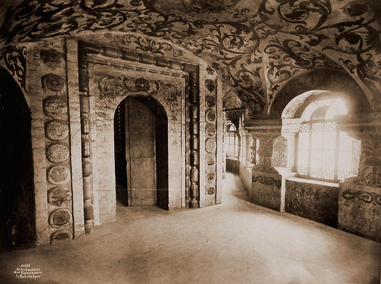 Вид части северо-восточной паперти одного из приделов Покровского собора