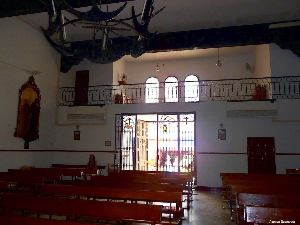 La Iglesia de Nuesra Senora del Carmen- (7)