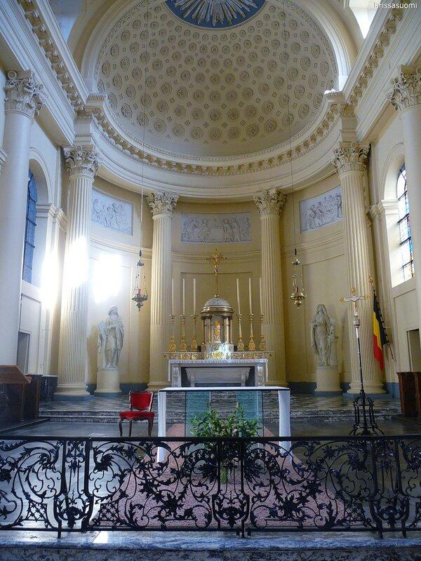 Eglise St-Jacque sur Coudenburg - хоры церкви.Eglise St-Jacque sur Coudenburg - хоры церкви.