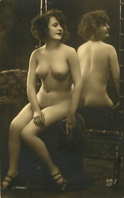 Подборка эротических открыток 19-го века. . (1 фото). Год съемки.