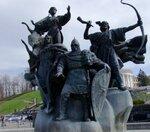 Памятник отцам-основателям города Киева на Майдане Незалежности
