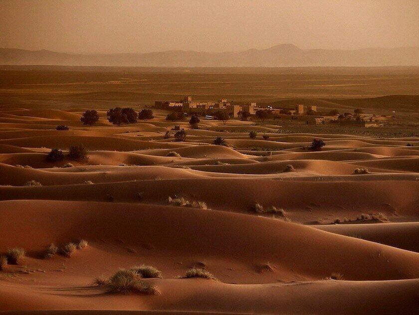 городок в пустыне Сахара