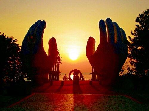 Господи,сделай руки мои проявлением Твоего мира