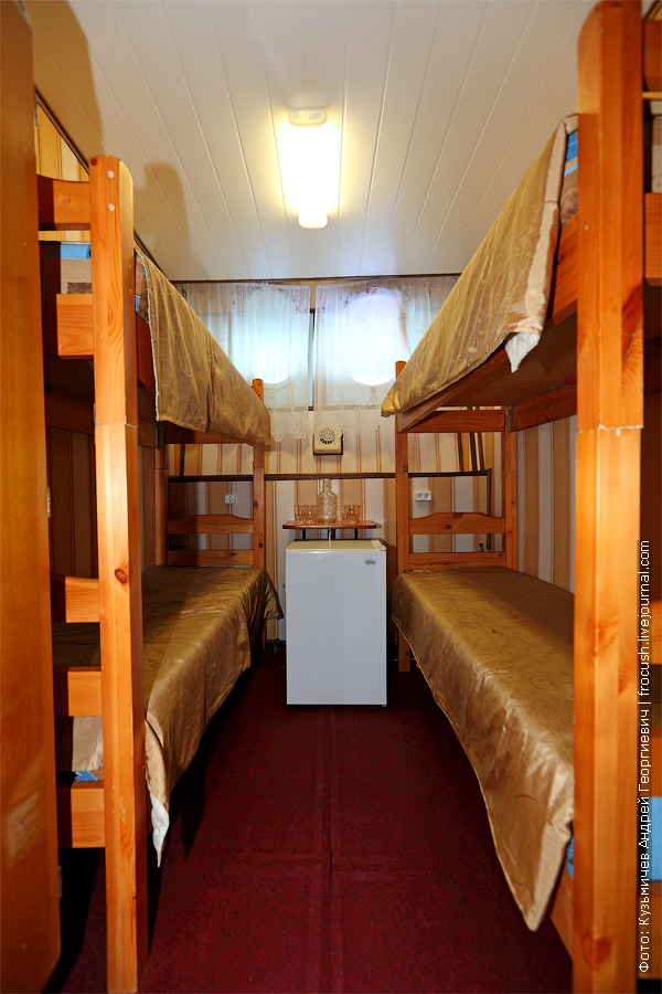 Четырехместная двухъярусная каюта №49 на нижней палубе. Теплоход «Башкортостан»