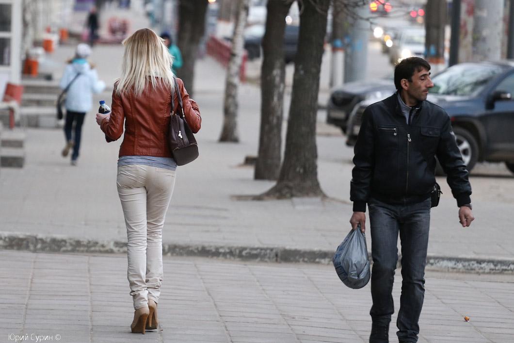 девушки на улице картинки