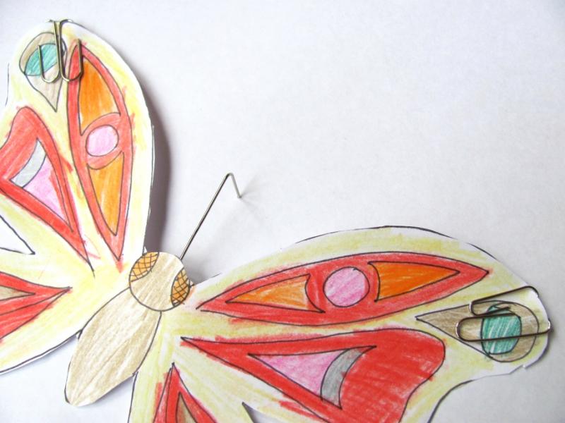 Детская поделка -бабочка из бумаги