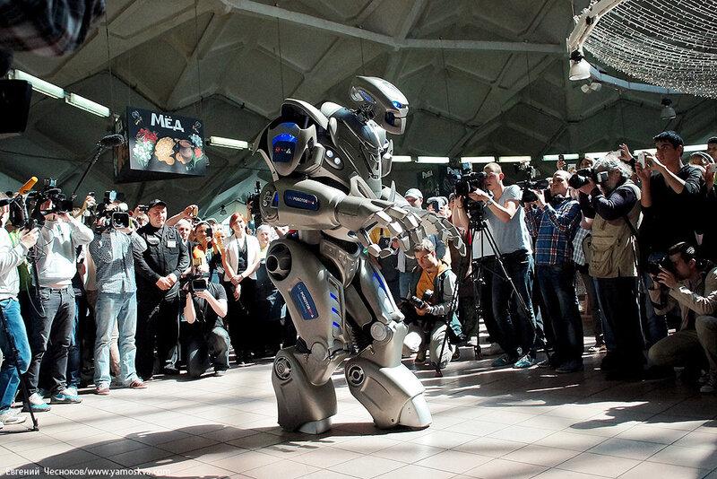 Весна. Даниловский. Робот Титан. 12.05.14.03..jpg