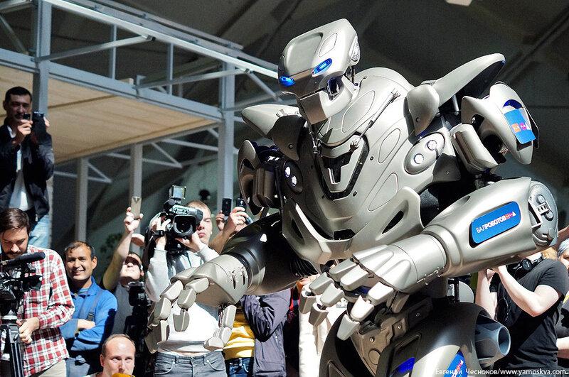 Весна. Даниловский. Робот Титан. 12.05.14.31..jpg