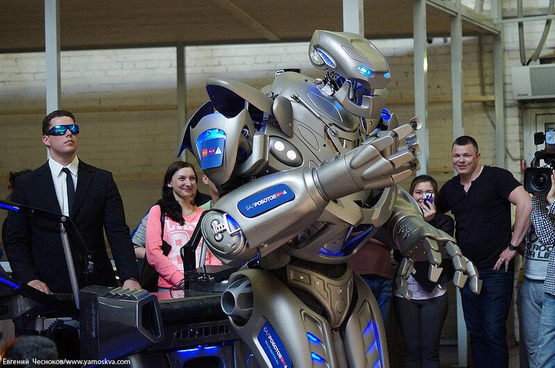 Весна. Даниловский. Робот Титан. 12.05.14.36..jpg