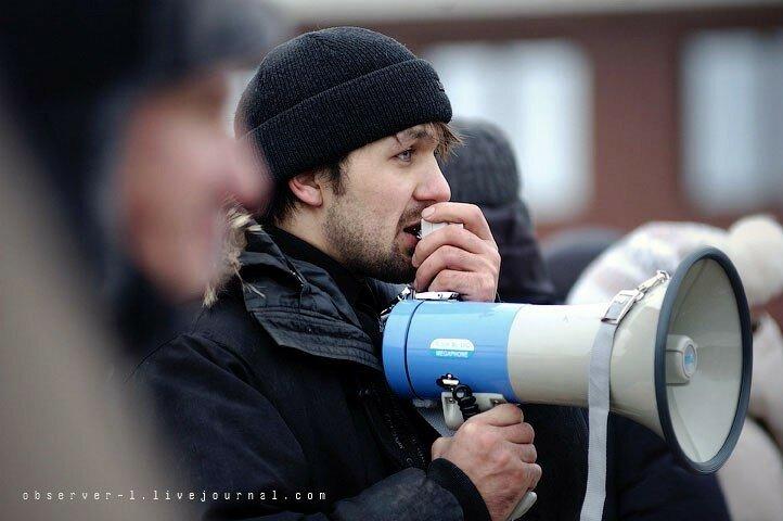 Задержанный активист Александр Огнев уже в воинской части