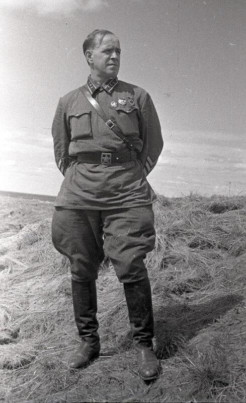 1-Комкор Г.К. Жуков на Халхин-Голе. 08.1939.jpg
