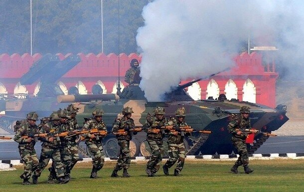 Indian army soldiers demonstrate their c