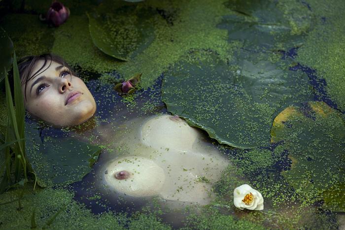 Голые мёртвые женщины фото