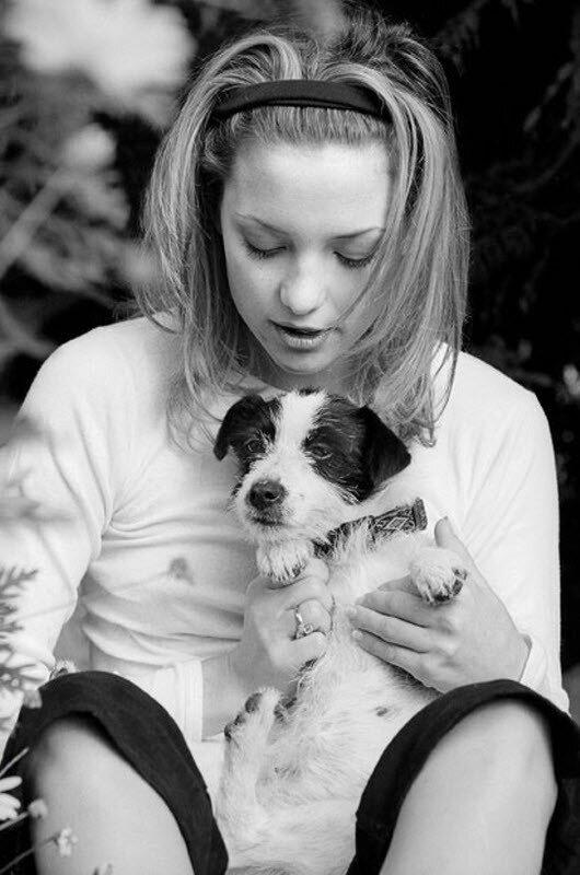 Кейт Хадсон с бернским зенненхундом по кличке Нана