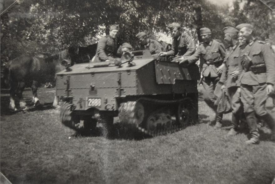 Захваченный бельгийский легкий тягач VCL Utility Tractor. 1940 г.