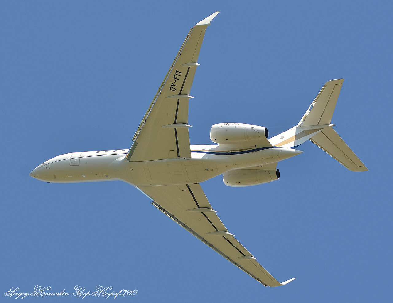 OY-FIT Bombardier BD-700-1A11 Global 5000.JPG
