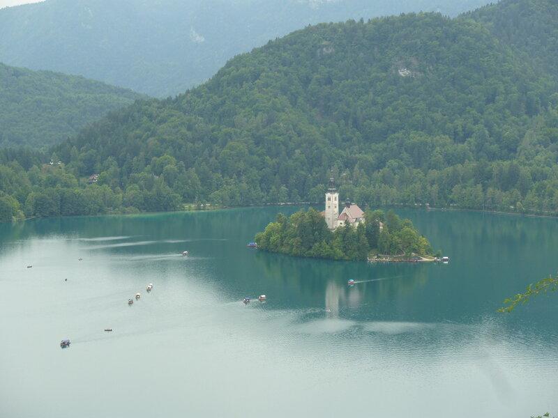 Вид с замка на остров