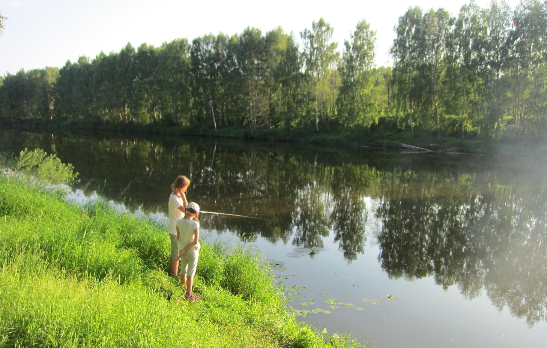 Девушки-рыбачки на Чусовой (08.07.2015)
