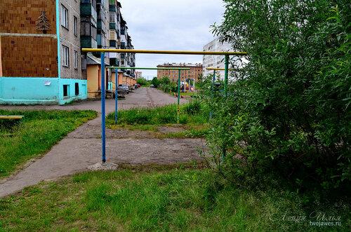 Фотография Инты №7983  Северо-восточный угол Мира 56 и двор Мира 48 02.07.2015_16:37