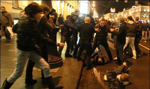 Вмассовой драке футбольных фанатов вМоскве пострадали 15 человек