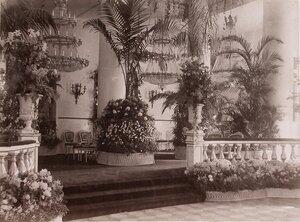 Вид части Колонного зала в здании Благородного (Дворянского) собрания, украшенного к торжествам коронации.