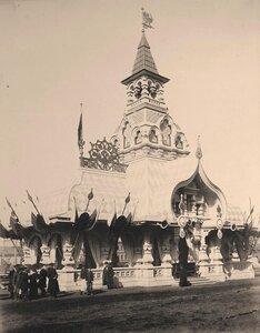 Вид одного из павильонов, выстроенных к торжествам коронации на углу Тверской и Садовой-Триумфальной улиц.
