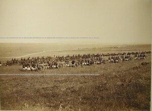Солдаты и офицеры 3-й батареи Лейб-гвардии 1-й Артиллерийской бригады на биваке.