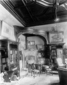 Часть кабинета в особняке купца А.Л.Франка (Васильевский остров, 21 линия, 8-а).