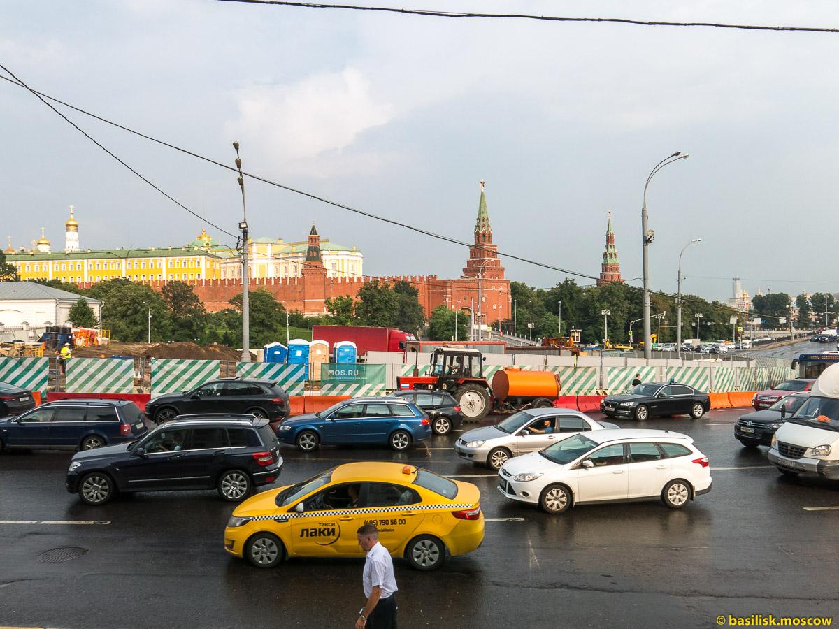 Моховая. Дом Пашкова. Боровицкая площадь. Большой Каменный мост. Июль 2016
