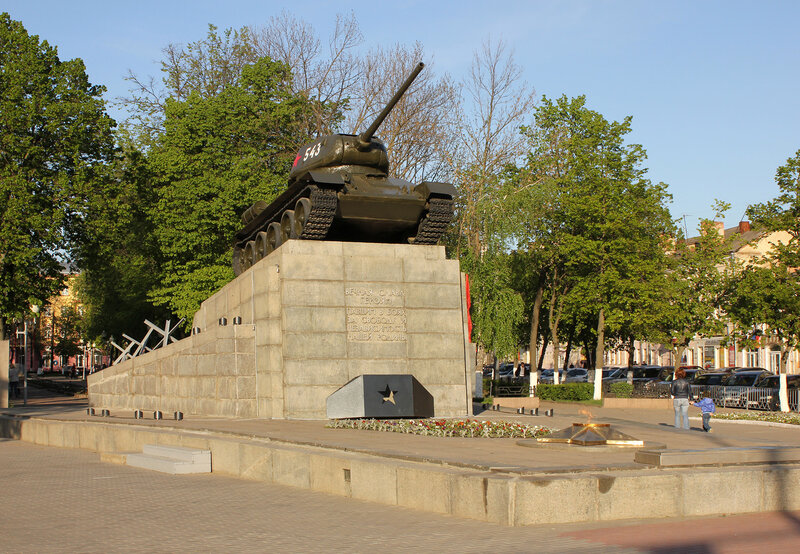 Мемориал в Орле на площади Мира