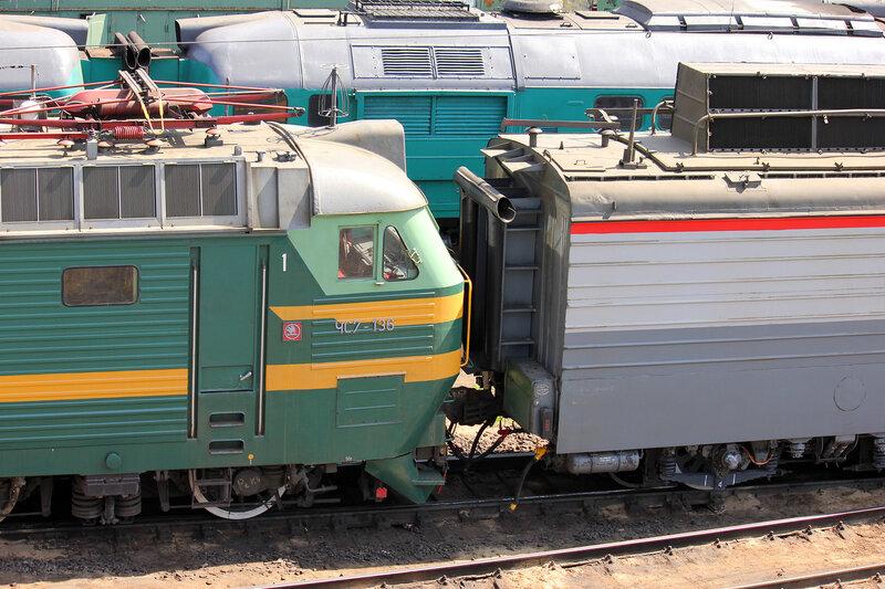 ЧС7-136 и ВЛ