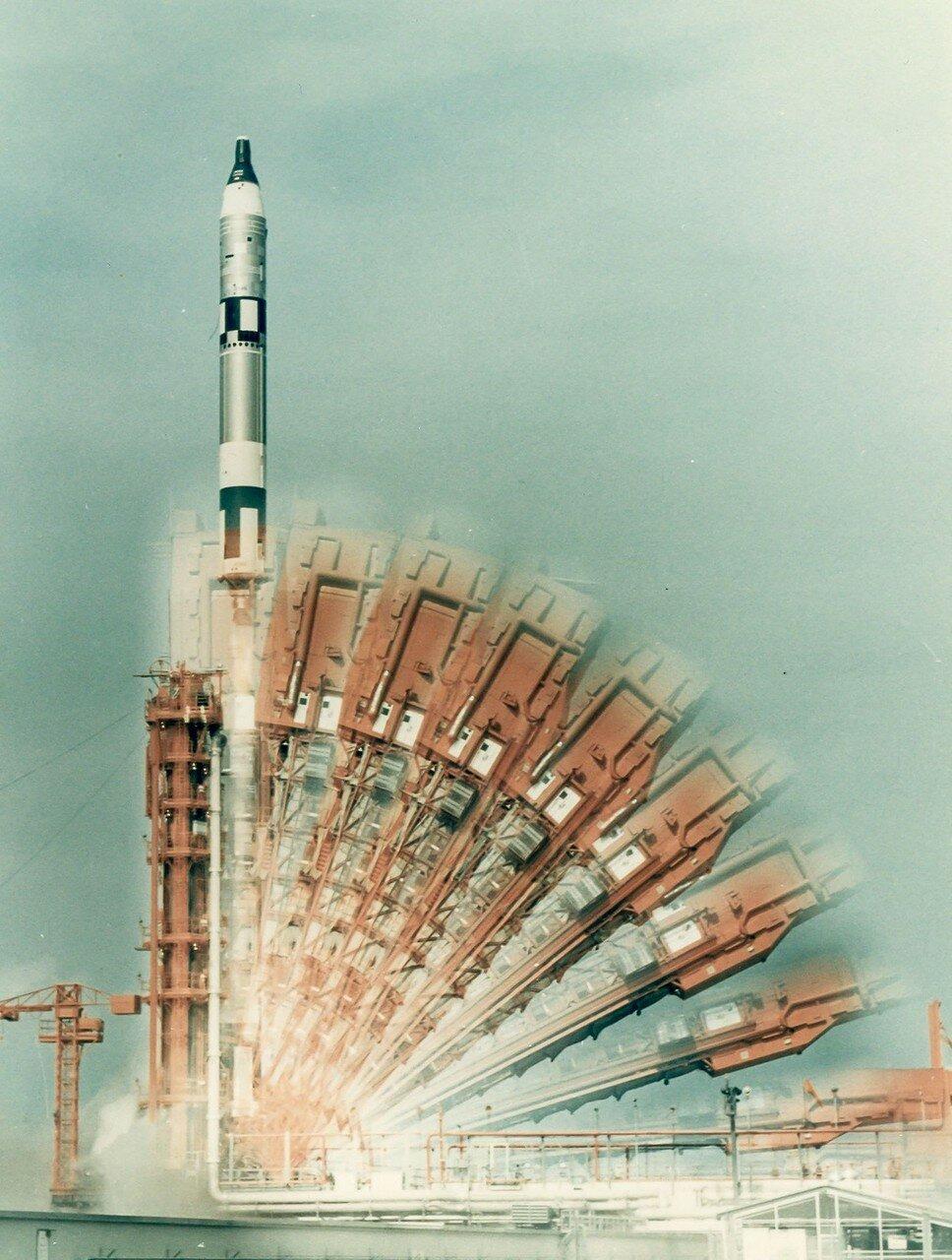 1966, 18 июля. Старт Джемини-10. Основной целью полёта являлось сближение и стыковка с мишенью «Аджена-X»