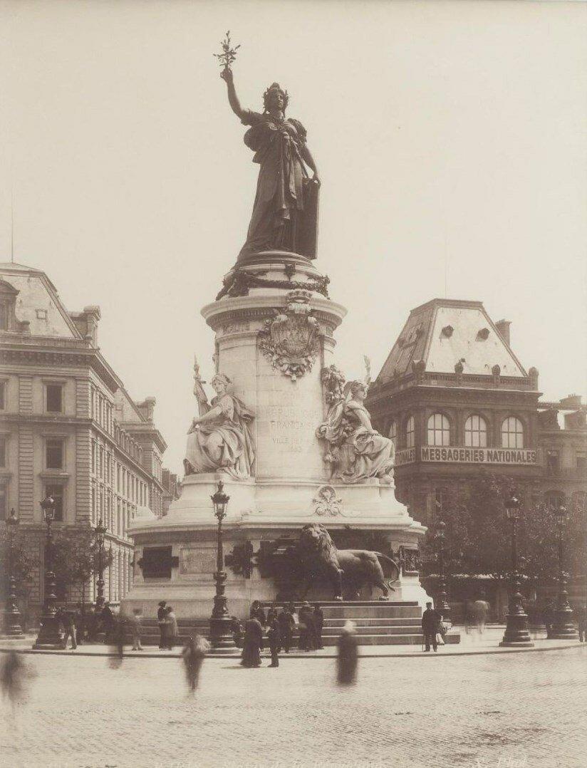 1880. Статуя Республики