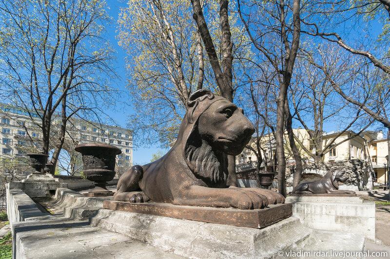 Стерегущие львы - Усадьба Высокие Горы