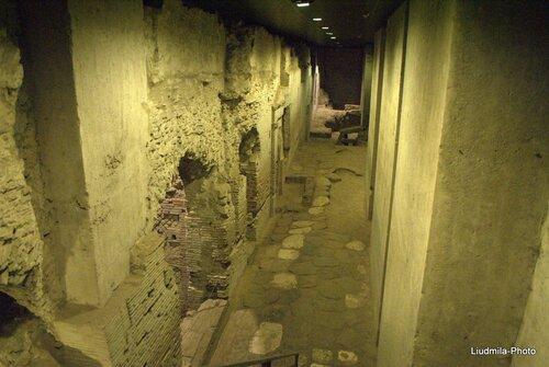 Неаполь,via dei Tribunali